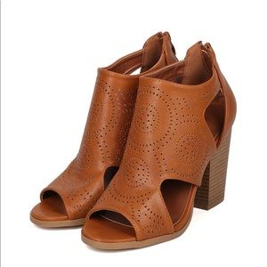 Mark & Maddux Oliver Camel Cut Out Booties